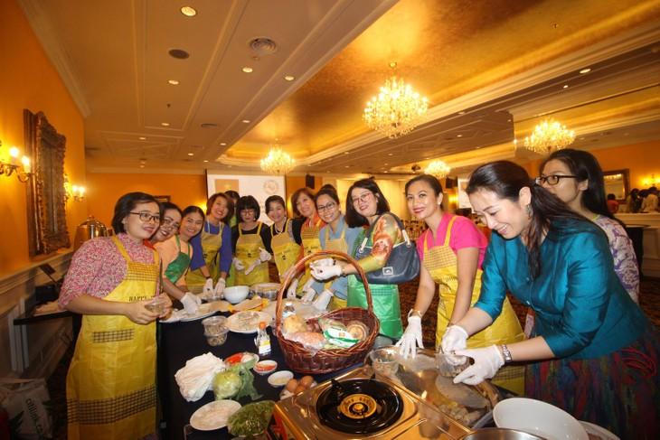Ẩm thực Việt Nam thu hút bạn bè ASEAN tại Malaysia  - ảnh 1