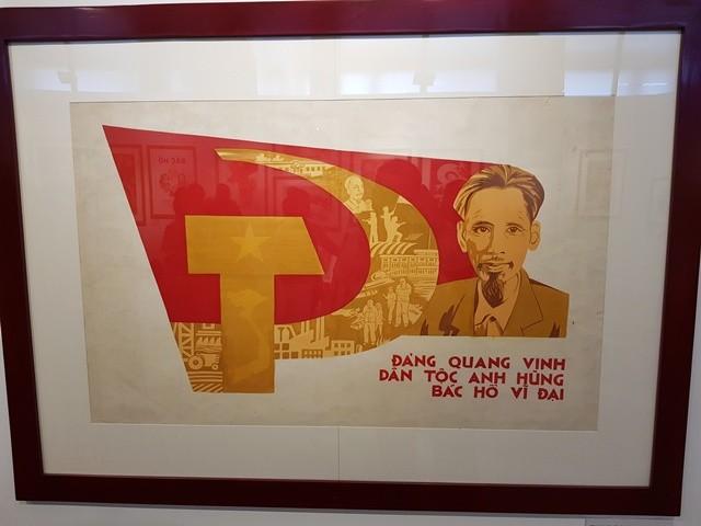 Khai mạc Trưng bày chân dung Hồ Chí Minh - Góc nhìn từ tranh cổ động - ảnh 1