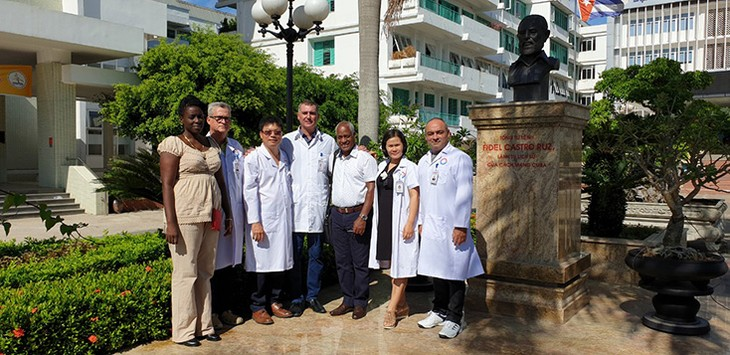 Chuyên gia y tế nhi khoa và ung bướu của Cuba sang làm việc tại Quảng Bình - ảnh 1