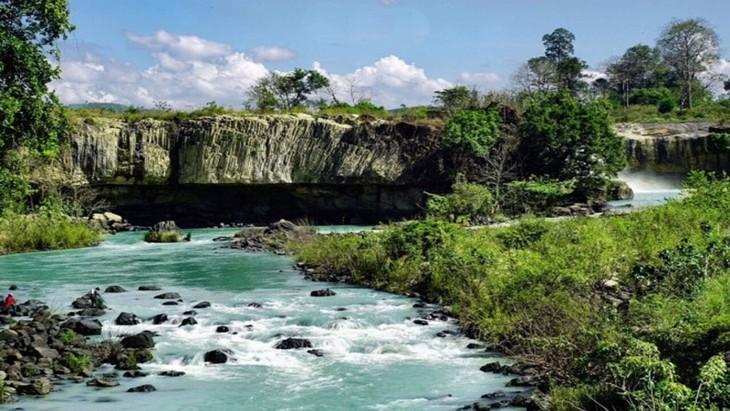 Đoàn chuyên gia của UNESCO thẩm định quần thể hang động núi lửa Krông Nô - ảnh 1