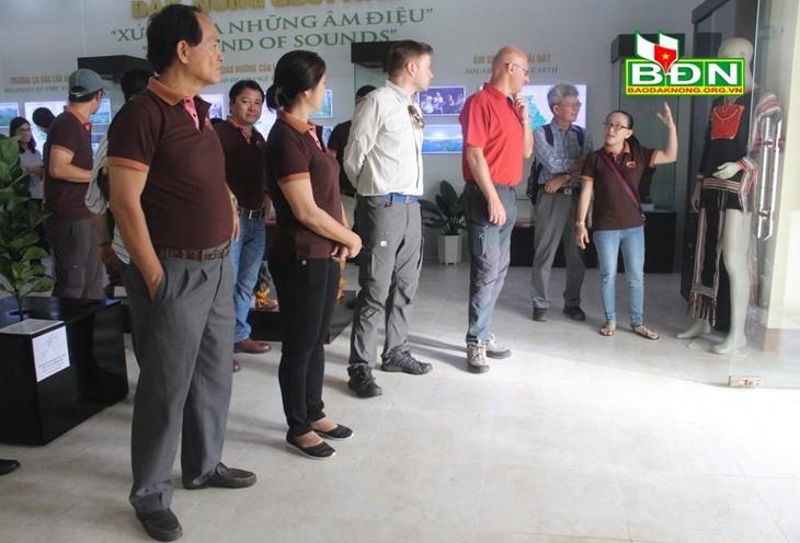 Đoàn chuyên gia của UNESCO thẩm định quần thể hang động núi lửa Krông Nô - ảnh 2