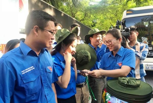 Tuổi trẻ thủ đô xuất quân sang hoạt động tình nguyện tại Lào - ảnh 1