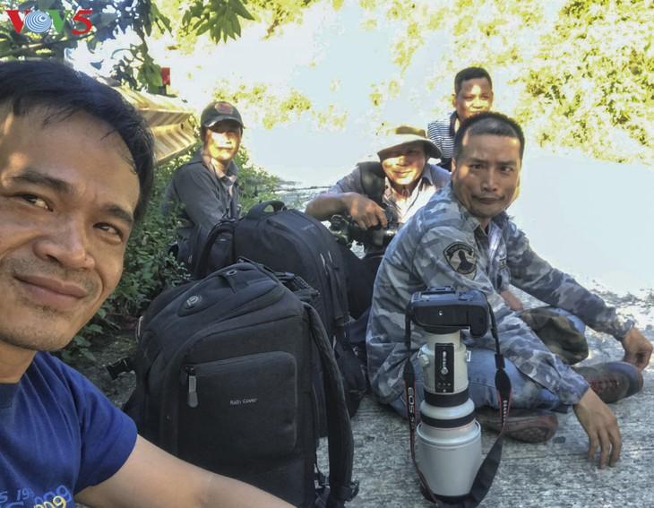 Gặp nhà báo đam mê chụp Voọc Chà vá chân nâu Sơn Trà - ảnh 6