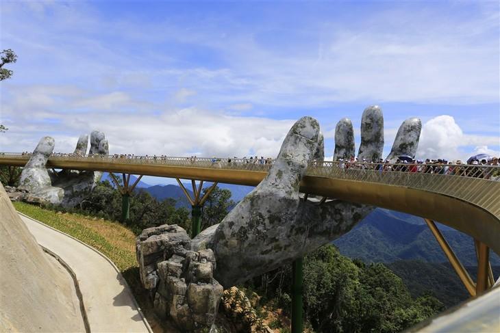 Cầu Vàng – tuyệt phẩm mới tại Bà Nà Hills  - ảnh 1