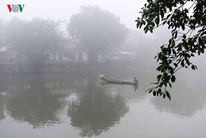 Breathtaking scenery of ancient Hue amid fog in late winter - ảnh 12
