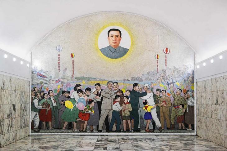 Đẹp sững sờ ga điện ngầm Bình Nhưỡng, Triều Tiên - ảnh 7