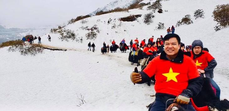 Đại sứ Phạm Sanh Châu quảng bá Việt Nam trên núi Himalaya tuyết trắng - ảnh 4