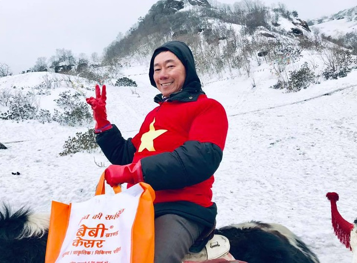Đại sứ Phạm Sanh Châu quảng bá Việt Nam trên núi Himalaya tuyết trắng - ảnh 6