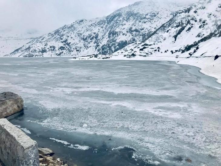 Đại sứ Phạm Sanh Châu quảng bá Việt Nam trên núi Himalaya tuyết trắng - ảnh 8