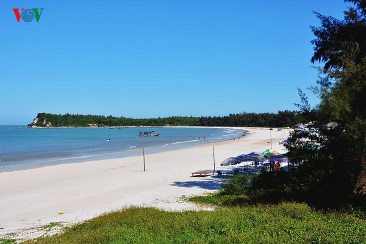 Top 10 destinations to enjoy summer retreat in Vietnam - ảnh 1