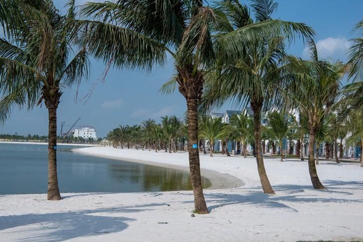 Du khách háo hức với thành phố biển hồ trong lòng Hà Nội - ảnh 4