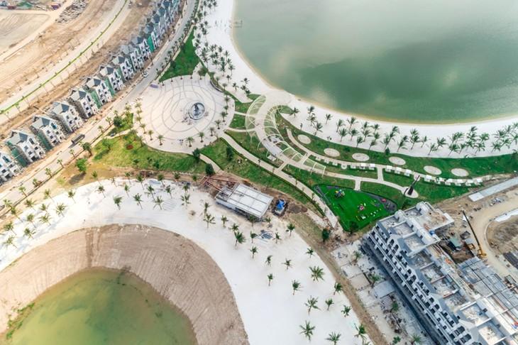 Du khách háo hức với thành phố biển hồ trong lòng Hà Nội - ảnh 5