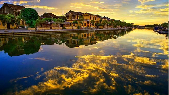 Việt Nam đẹp như tranh vẽ qua các tác phẩm ảnh tại triển lãm Ánh sáng từ tâm - ảnh 11