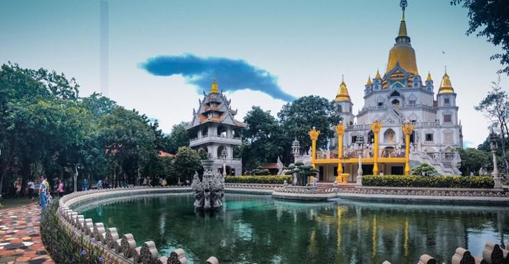 Chùa Việt vào top 10 ngôi chùa đẹp nhất thế giới: Chùa Bửu Long thêm hút khách - ảnh 15