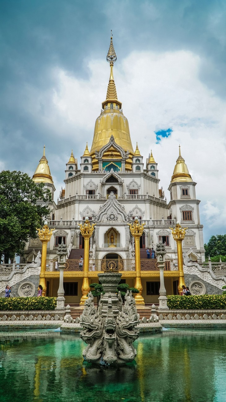 Chùa Việt vào top 10 ngôi chùa đẹp nhất thế giới: Chùa Bửu Long thêm hút khách - ảnh 3