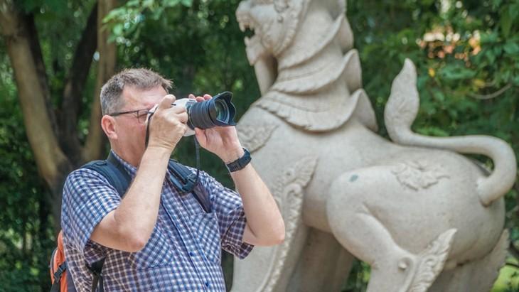 Chùa Việt vào top 10 ngôi chùa đẹp nhất thế giới: Chùa Bửu Long thêm hút khách - ảnh 4