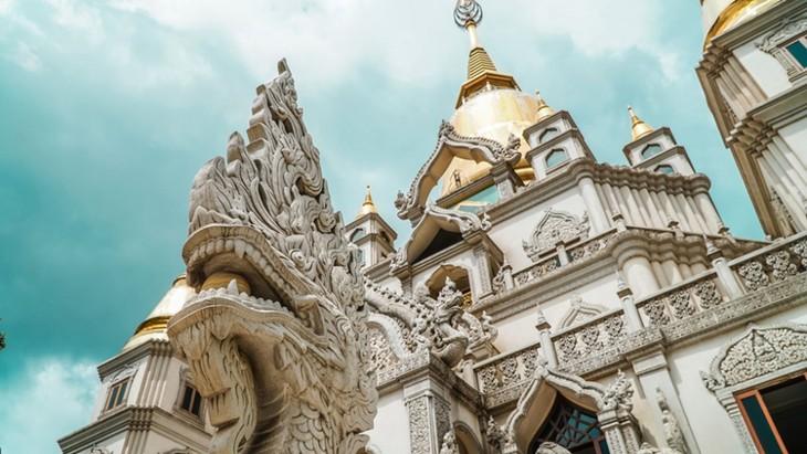 Chùa Việt vào top 10 ngôi chùa đẹp nhất thế giới: Chùa Bửu Long thêm hút khách - ảnh 1