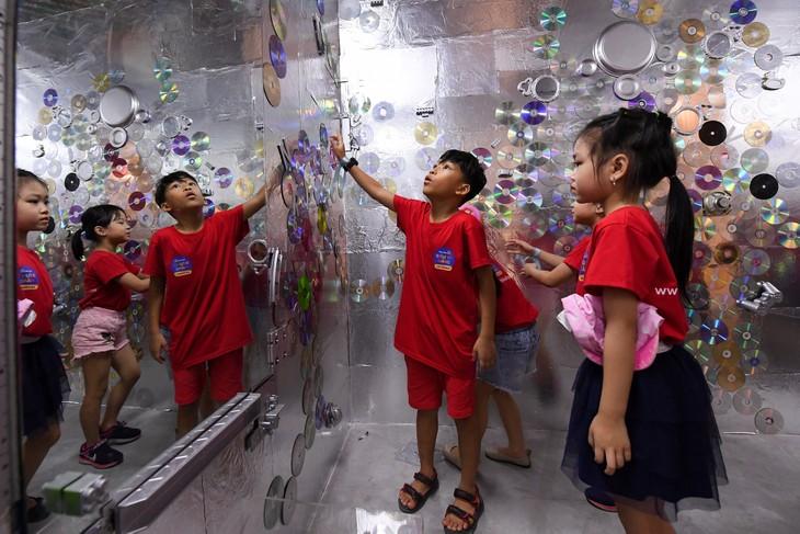 """Triển lãm """"Hành tinh nhựa"""" truyền đi thông điệp sử dụng đồ nhựa có ý thức - ảnh 17"""