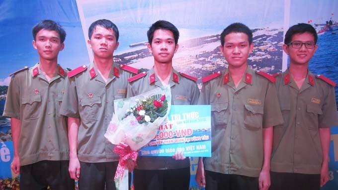 Elevan conciencia de soberanía marítima entre estudiantes vietnamitas - ảnh 1
