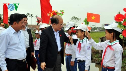 Presidente parlamentario destaca la unidad como fuerza nacional    - ảnh 1