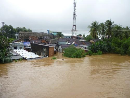 Aceleran superación de secuelas de inundaciones en Centro de Vietnam - ảnh 1