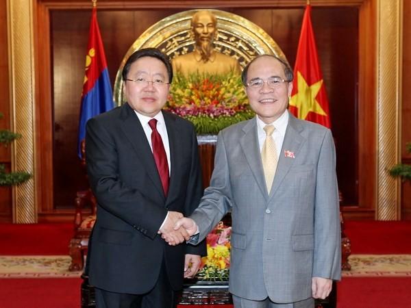 Estrechan cooperación multifacética Vietnam y Mongolia - ảnh 2