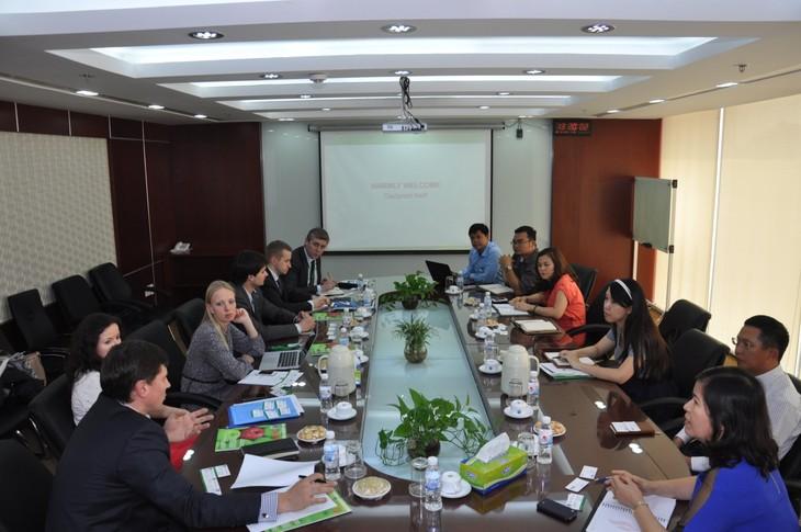 PetroVietnam insiste en la explotación petrolera para enriquecer la patria - ảnh 3
