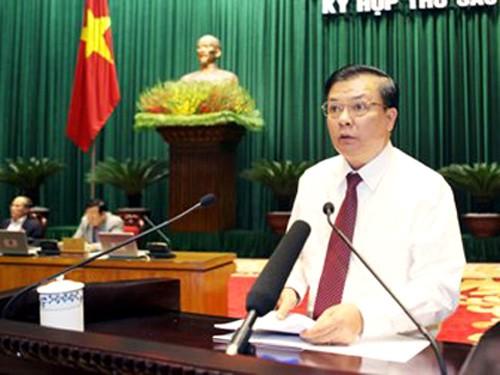 Miembros del Gobierno vietnamita comparecen ante el Parlamento - ảnh 2