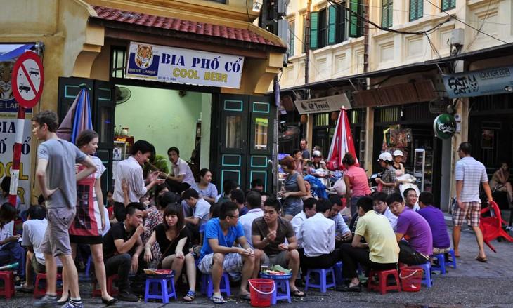 "Ta Hien – ""calle extranjera"" de Hanoi - ảnh 1"