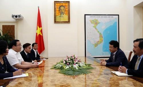 Eficientes relaciones entre Vietnam y Banco Asiático - ảnh 1