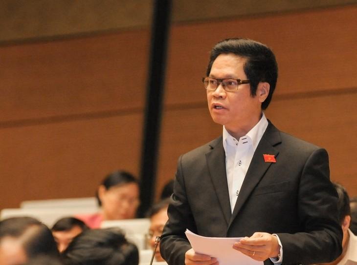 Parlamento vietnamita debate planes socioeconómicos para nuevo mandato  - ảnh 1