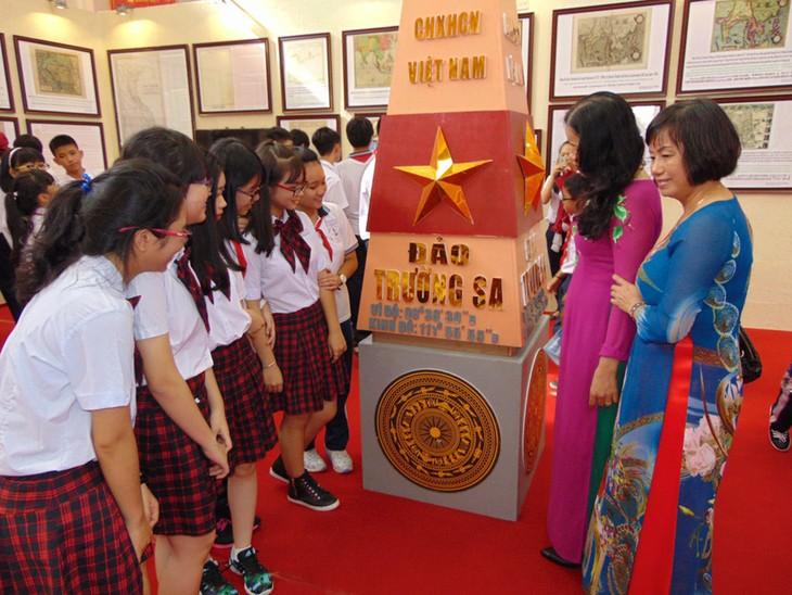 Exposición de documentos muestra soberanía vietnamita en el Mar del Este - ảnh 1