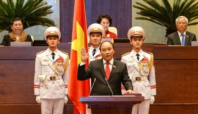 Elegido Nguyen Xuan Phuc primer ministro de Vietnam - ảnh 1