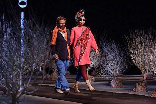 Última colección de moda de Chula en honor de David Bowie - ảnh 4