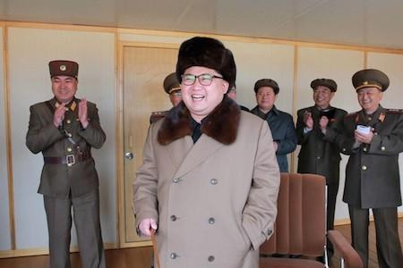 Corea del Norte declara éxito en prueba de motor para misil balístico intercontinental  - ảnh 1