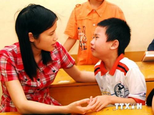 Medidas de apoyo a niños autistas en incorporación social - ảnh 1