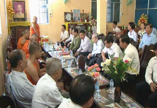 Felicita Dirección del Suroeste a los jemeres en ocasión del Festival Chol Chnam Thmay - ảnh 1