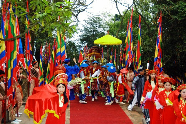 Conmemoración de los Reyes Hung, de vuelta al origen de los vietnamitas - ảnh 3