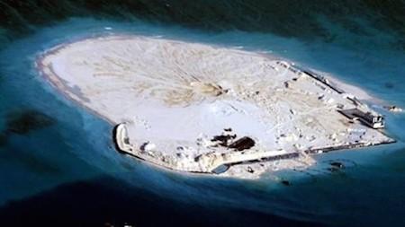 Islas construidas ilegalmente por parte de China en el Mar Oriental amenazan el ambiente ecológico - ảnh 1