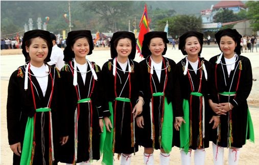 Vietnam honra 100 mujeres étnicas ejemplares  - ảnh 1