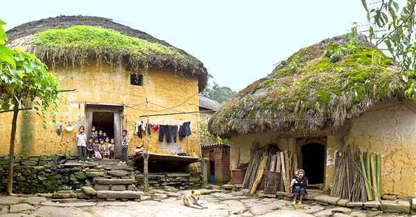 Casa tradicional de la etnia Ha Nhi - ảnh 1