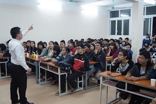 Nguyen Van Tiep y sus cursos gratuitos de inglés  - ảnh 2