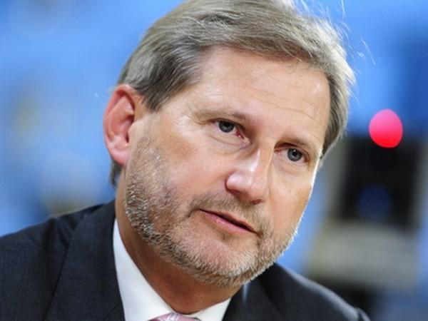Unión Europea insta a nuevas reformas del gobierno ucraniano dentro de 100 días  - ảnh 1