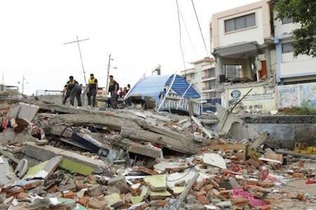 Expertos alertan sobre varias réplicas del terremoto en Ecuador  - ảnh 1