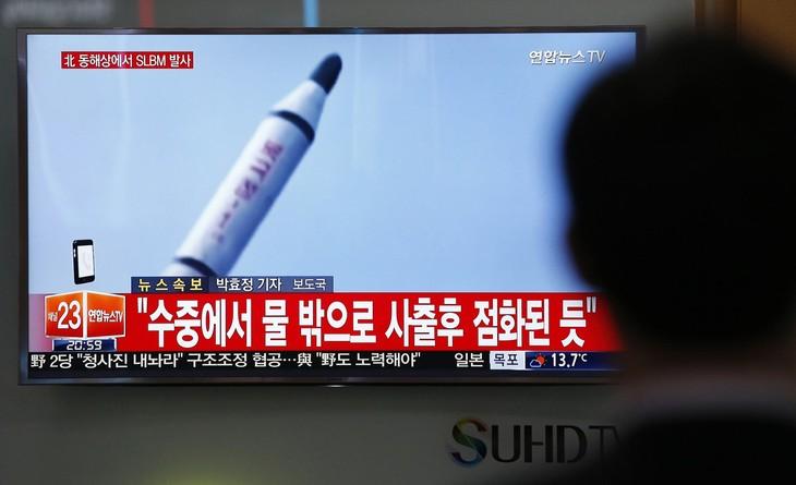 Corea del Norte logra lanzar un misil desde un submarino - ảnh 1