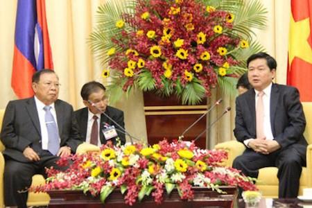 Máximo líder laosiano visita Ciudad Ho Chi Minh   - ảnh 1