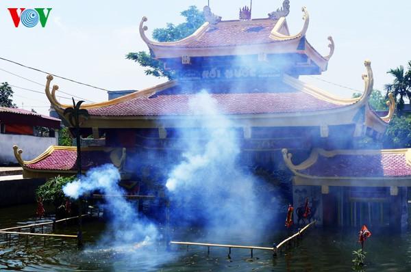 Teatro de títeres acuáticos de los campesinos- artistas de Hong Phong  - ảnh 1