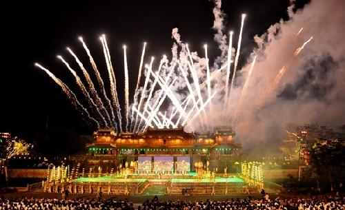 Finaliza Festival Hue 2016, mayor fiesta cultural y artística  de Vietnam - ảnh 1