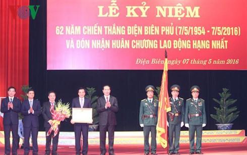 Conmemoran 62 aniversario de la Victoria de Dien Bien Phu  - ảnh 1