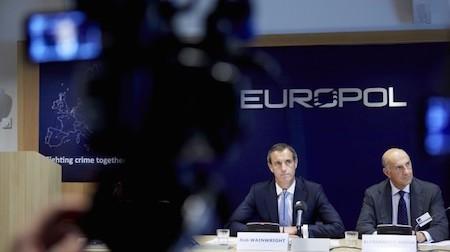 Europol alerta sobre ataques terroristas posibles en días de Eurocopa 2016 - ảnh 1